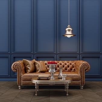 Divano in stile classico con lampada e parete blu