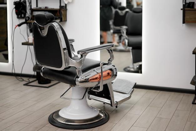 Poltrona da barbiere classica vintage