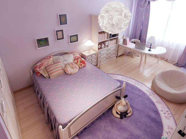 Camera da letto classica divisa in zone.