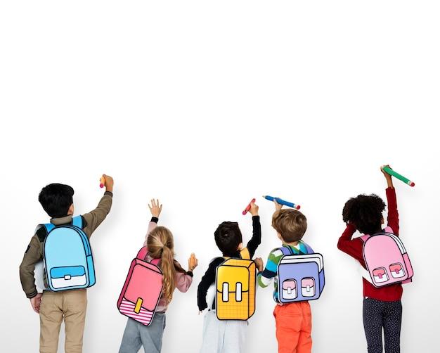 Compagni di classe amici della scuola istruzione scolastica