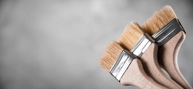 Pulisci i nuovi pennelli per dipingere
