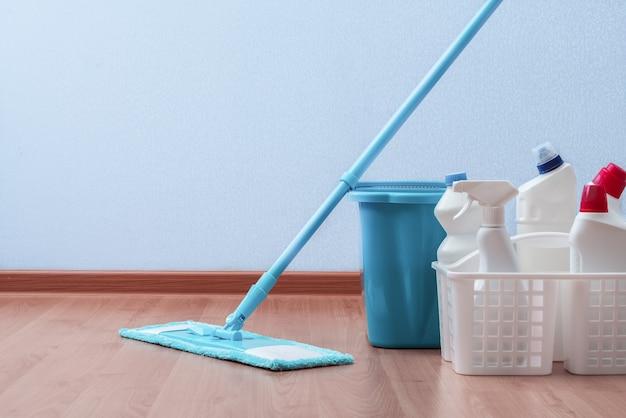 Prodotti per la pulizia. lavori di casa. pulizie di primavera.