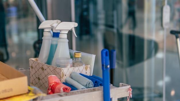 Set di strumenti per la pulizia