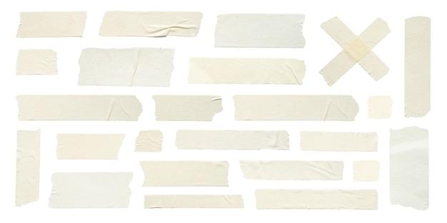 Primo piano di nastri adesivi antirughe su sfondo bianco
