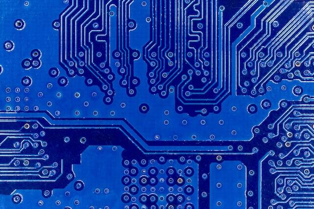 Primo piano del circuito elettronico blu