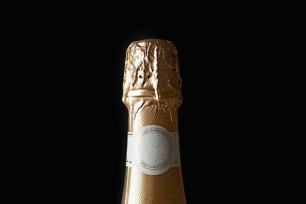 Primo piano bottiglia di champagne