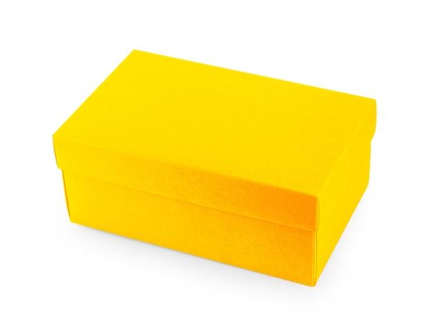 Primo piano di una scatola su sfondo bianco
