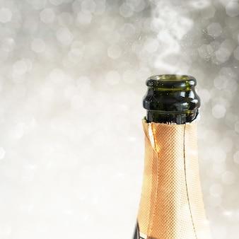 Primo piano della bottiglia di champagne