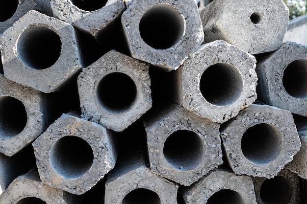Chiudere l'area della sezione trasversale di un palo in calcestruzzo impilato