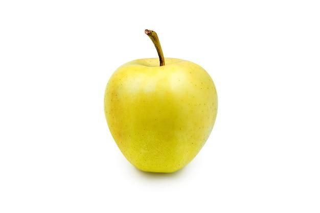 Primo piano di mela gialla fresca