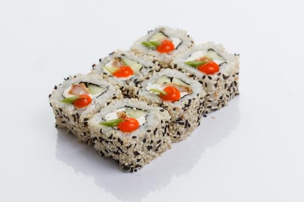 Close-up di sushi giapponese rotoli