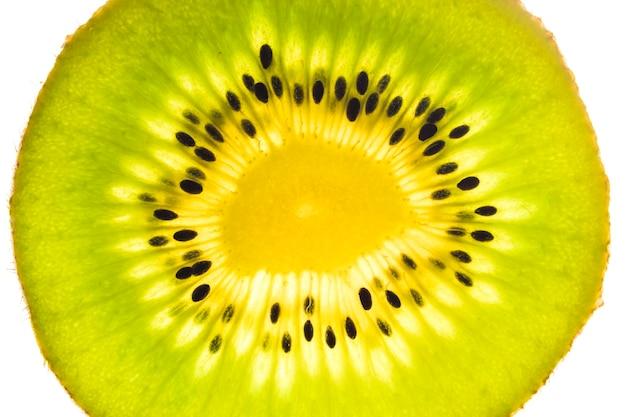 Primo piano della fetta del kiwi