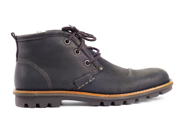 Primo piano su scarpe di cuoio isolate