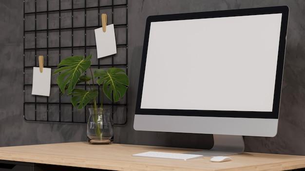 Chiuda sul modello dello schermo vuoto del computer desktop moderno dell'ufficio domestico sulla rappresentazione 3d della tavola di legno