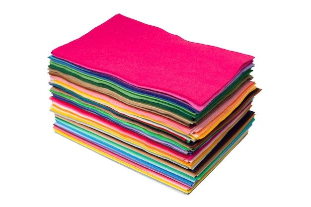 Primo piano di pezzi di feltro multicolori. foto ad alta risoluzione