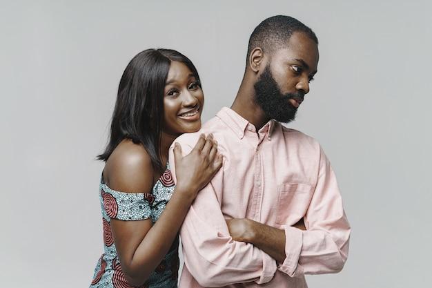 Close up ritratto di un'elegante coppia africana
