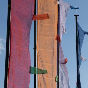Close-up di bandiere di preghiera, paro, paro district, paro valley, bhutan
