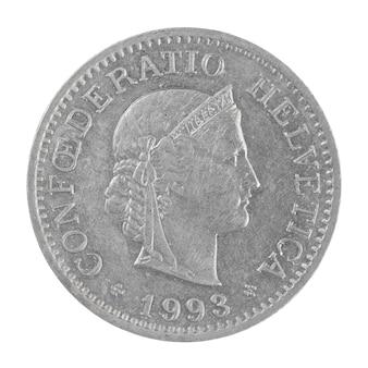 Immagine ravvicinata di un vecchio franco svizzero 10 rappen moneta isolata su uno sfondo bianco