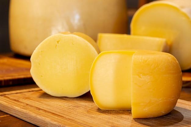 Close-up gustose fette di formaggio