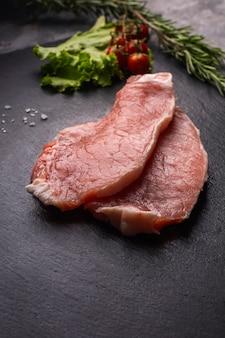 Vista ravvicinata del concetto di carne cruda