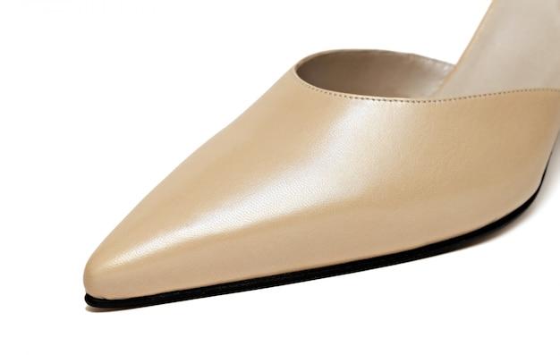 Primo piano di scarpa donna