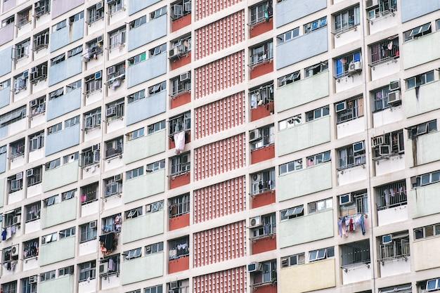 Immagine del primo piano dei colori pastello dell'annata residenziale a hong kong
