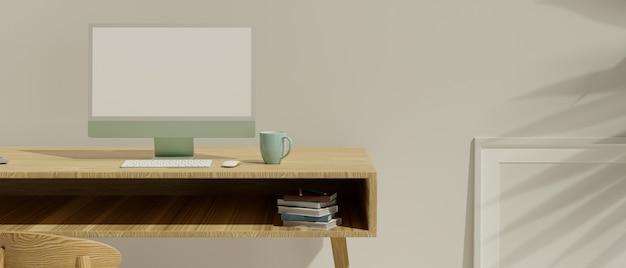Interno minimalista del modello dell'area di lavoro del primo piano con il computer nel modello dello schermo in bianco sulla tavola di legno