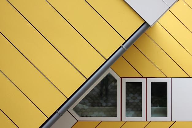 Primo piano dell'architettura geometrica urbana moderna