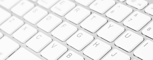 Colpo del primo piano della tastiera del computer