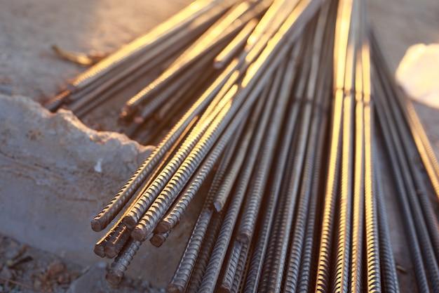 Primo piano di barre d'acciaio