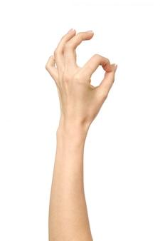 Primo piano della mano della donna che mostra segno giusto