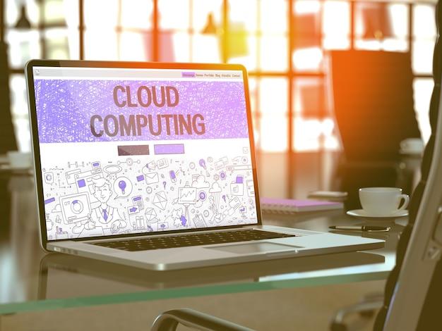 Primo piano di concetto di cloud computing sulla pagina di destinazione dello schermo del computer portatile nel posto di lavoro di ufficio moderno. immagine tonica con messa a fuoco selettiva. rendering 3d.