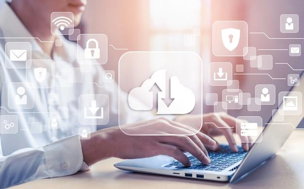Tecnologia di cloud computing e archiviazione dei dati online per la condivisione globale dei dati