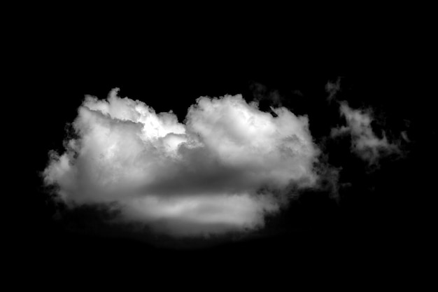 Nuvole bianche per il design su elementi isolati spazio nero.