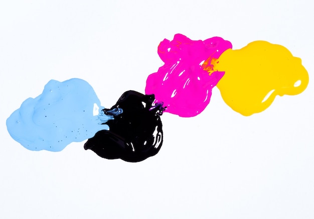 Cmyk colore di sfondo su bianco