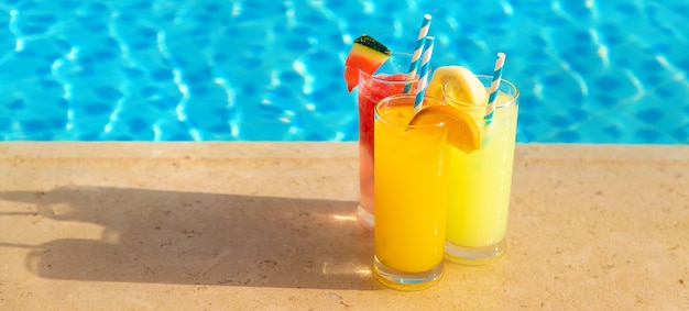 Cocktail a bordo piscina