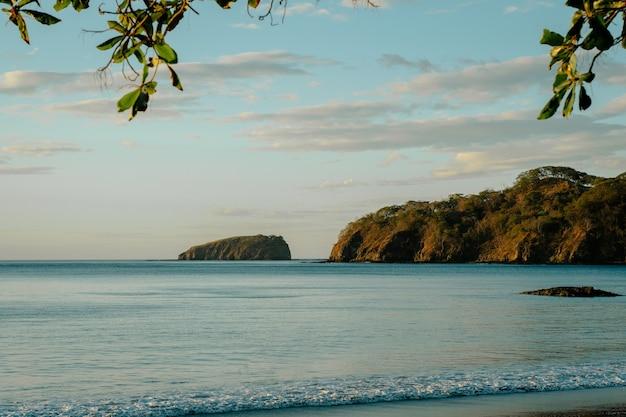Coco beach in costa rica, vista sull'oceano.