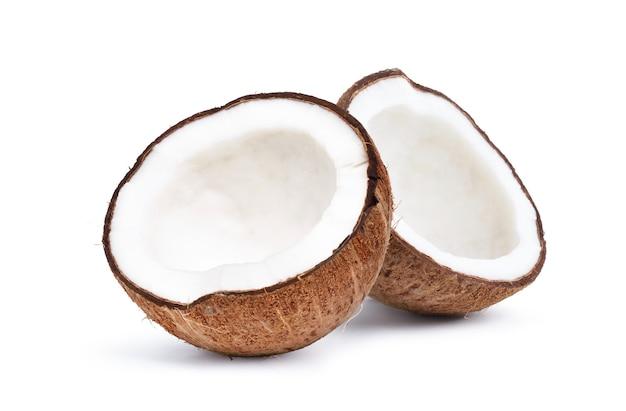 Noce di cocco isolato su uno sfondo bianco