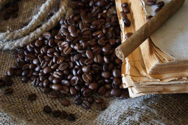 Libro della corda del chicco di caffè