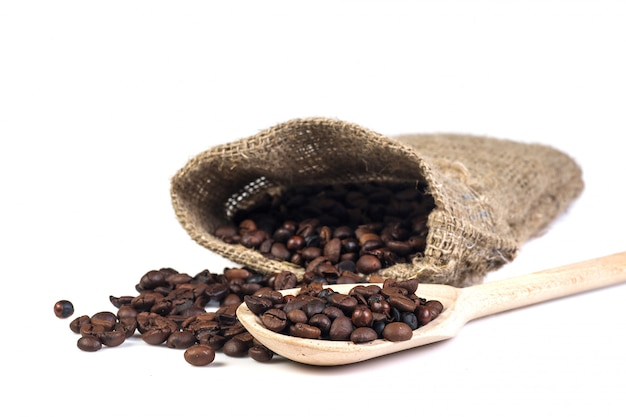 Chicchi di caffè in borsa