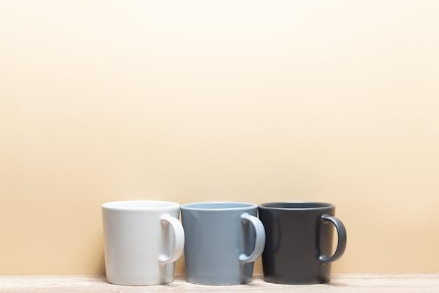 Tazza da caffè e copia spazio per il tuo design.