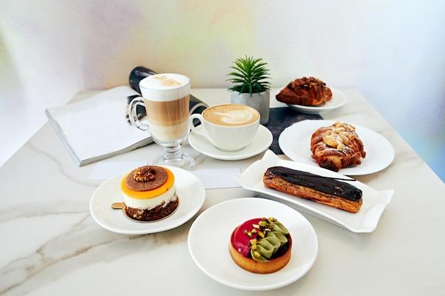 Caffè, pasticceria dolce, deliziosa torta