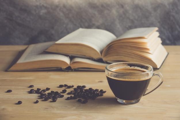Caffè con libro