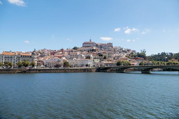 Coimbra dal fiume, portogallo