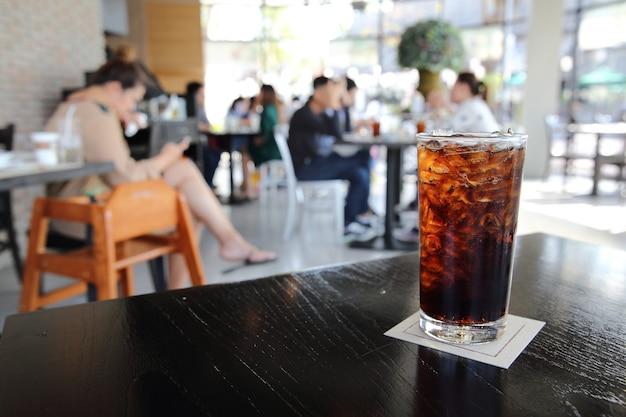 Cola in primo piano