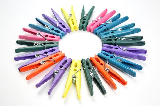 Mollette di plastica colorate