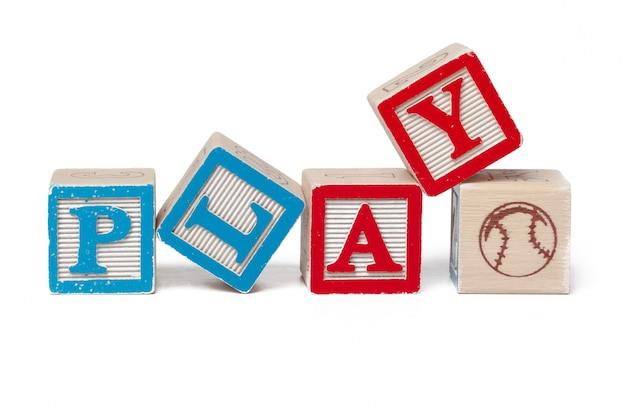 Blocchi alfabeto colorato. gioco di parole isolato su bianco