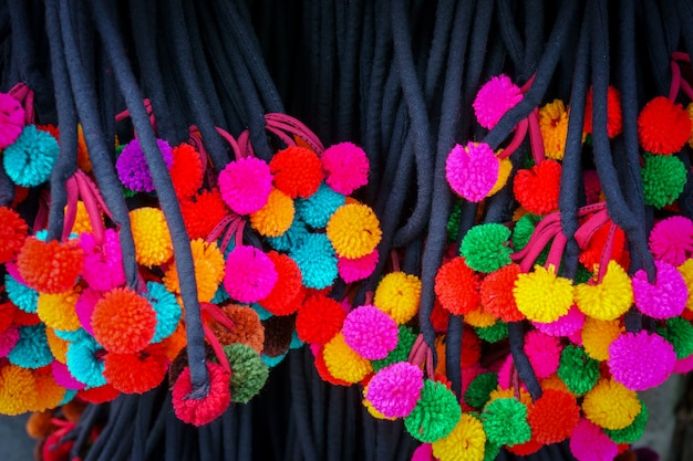 Sfondo di tessuto palline colorate, lavoro fatto a mano in thailandia
