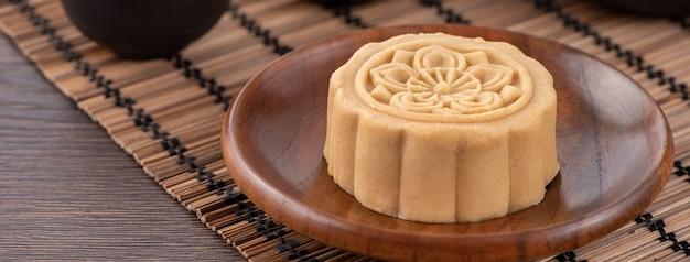 Torta di luna bella colorata, torta di fagioli mung, torta di pasticceria champion scholar per il tradizionale spuntino gourmet del festival di metà autunno, primo piano.