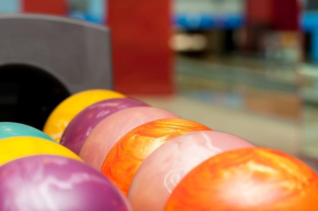 Palle da bowling colorate